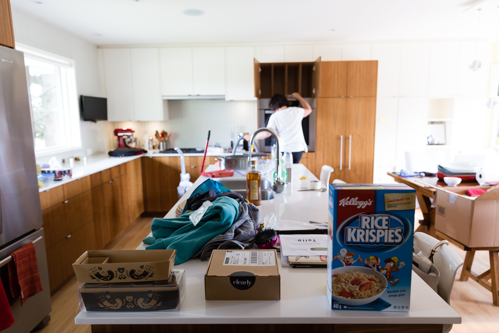 bye bye kitchen - just when you think you have downsized - you then pack up a kitchen..
