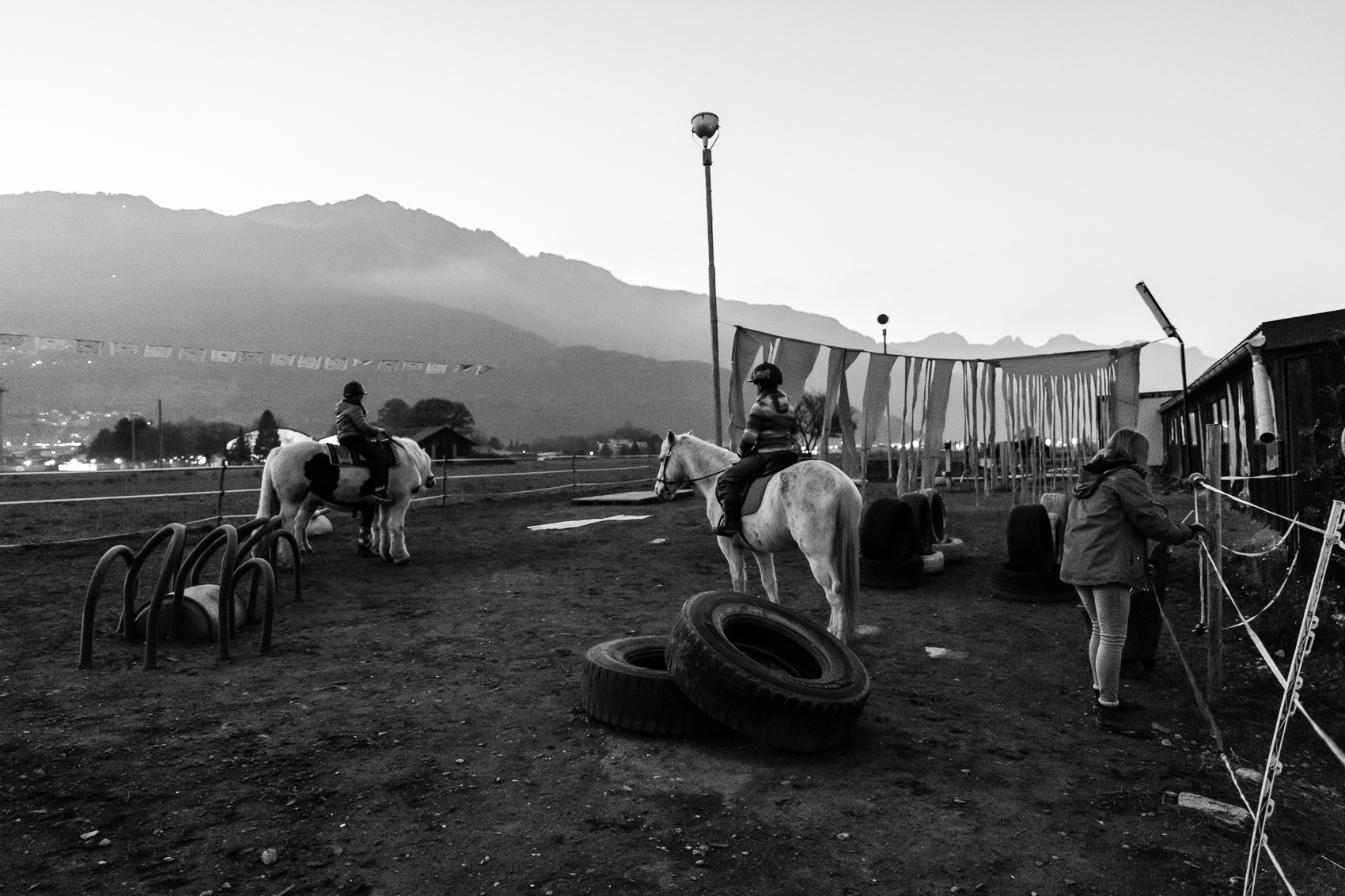 almost in the dark - but the dedicated staff at the horse stables kept their promise of an unforgettable horse experience.