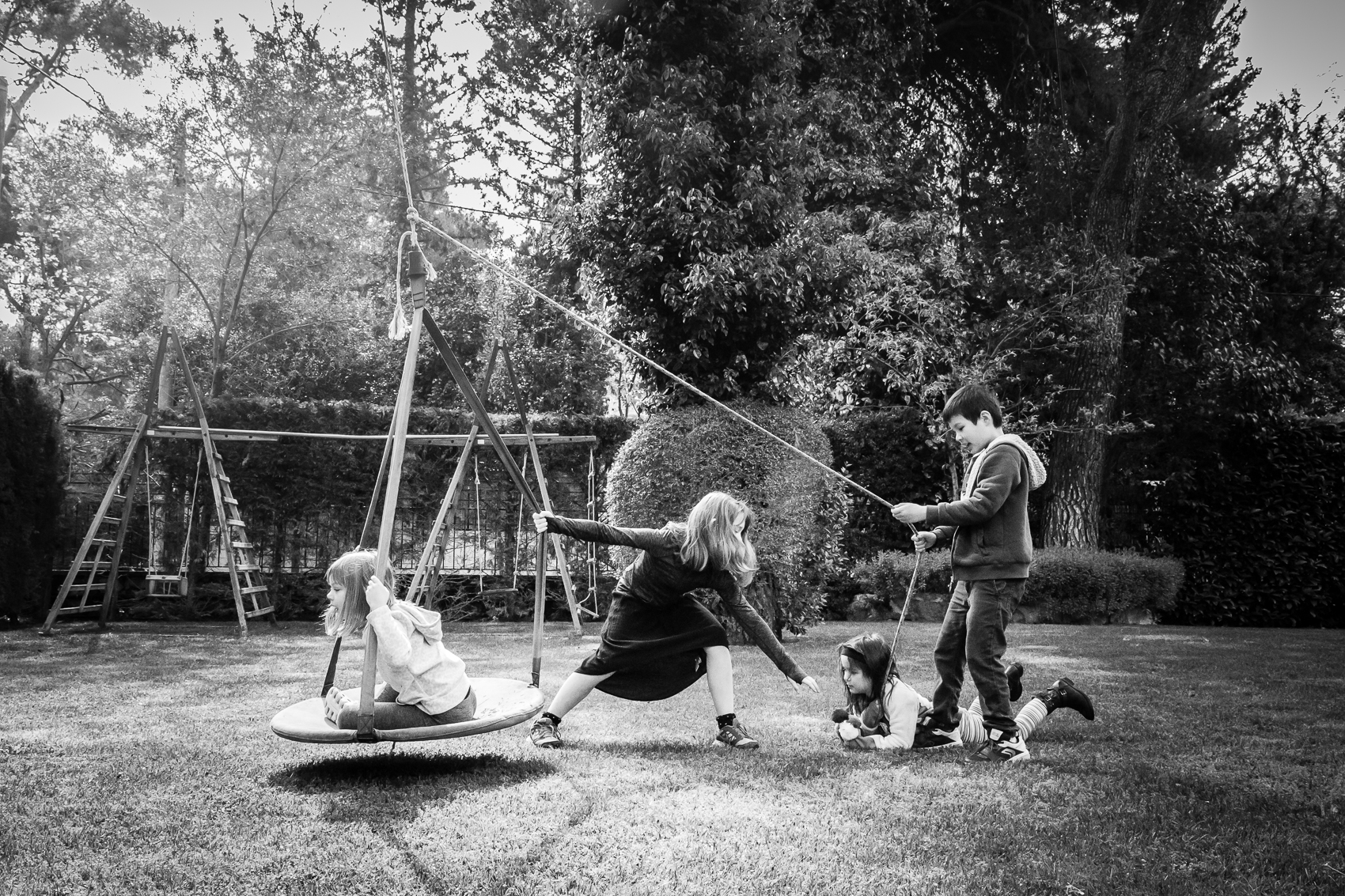 There is something about a pizza swing hanging from an old tree dappled sunshine and new friends. Enter in imagination and two foreman tweens, willing small ones and you are set for 2 hours of fun.