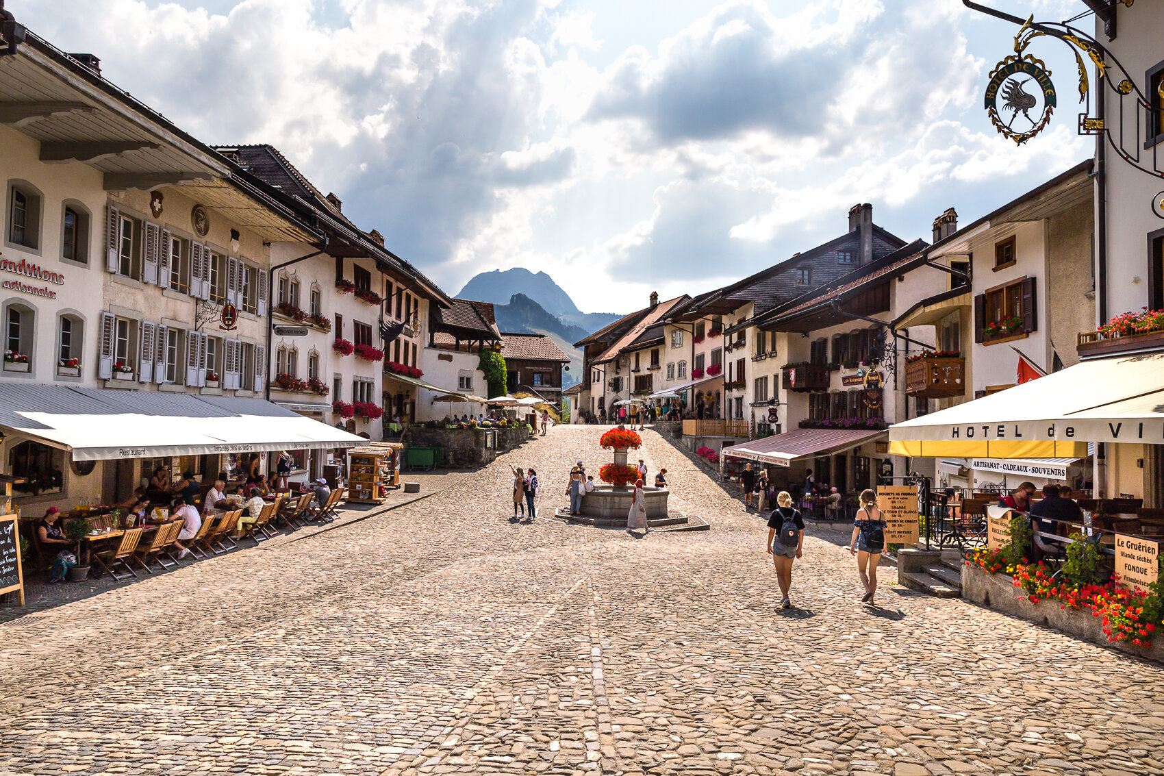 Gruyere..so pretty in all its flowers, cobblestone and touristic serenity.