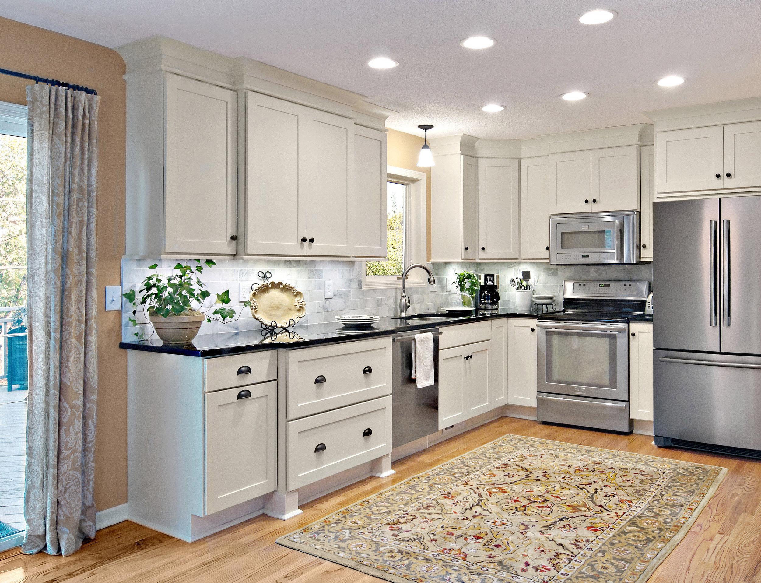 rockford-painted-linen-shaker-cabinets-oa-5875.jpg