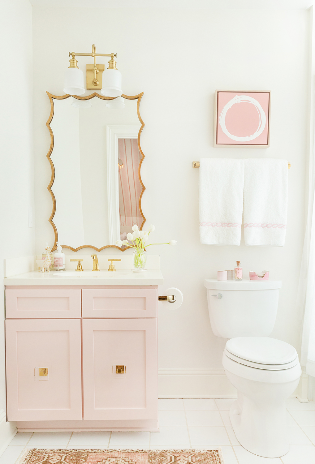 pink-bathroom-leslee-mitchell.jpg