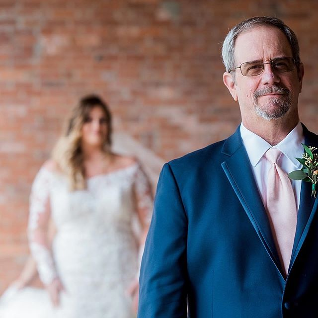First looks with dad! Swipe ⬅️ for more! . . . . . #rivermillwedding #rivermilleventcentre #columbusgaweddings #columbusgaweddingphotographer #colga #colsga #weddingphotography #bride #ido #gorgeous #daddysgirl #firstlook