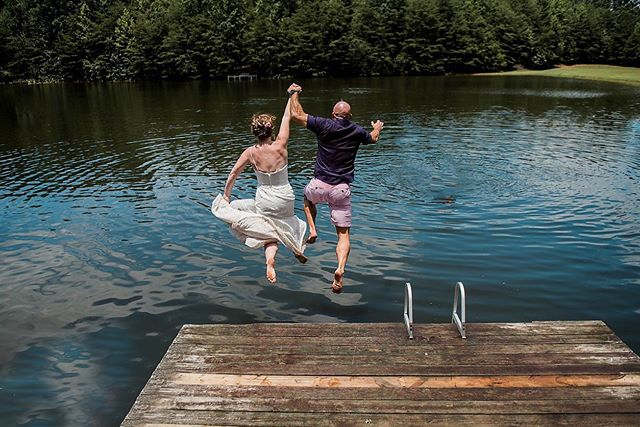If you don't end your wedding like this, did you even get married?! . . . . #kristingrobertsonphotography #weddings #clevelandga #clevelandgabride #georgiabride #lakelife #jumpin