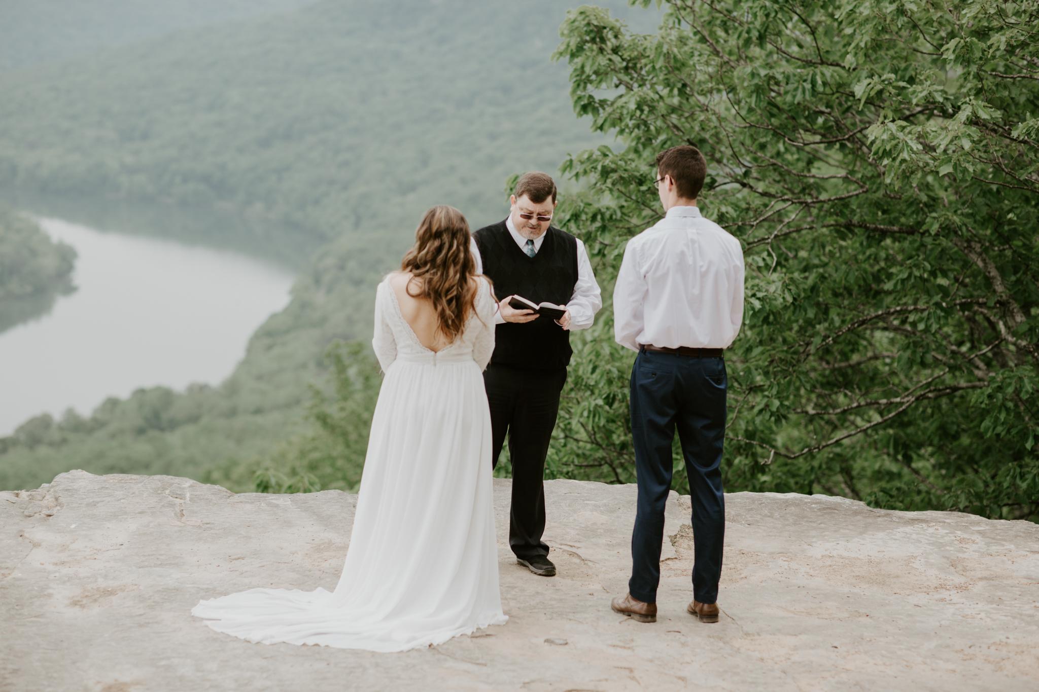 Lacey-Joe-Chattanooga-Nashville-Tennessee-Wedding-Elopement-Photographer-68.jpg