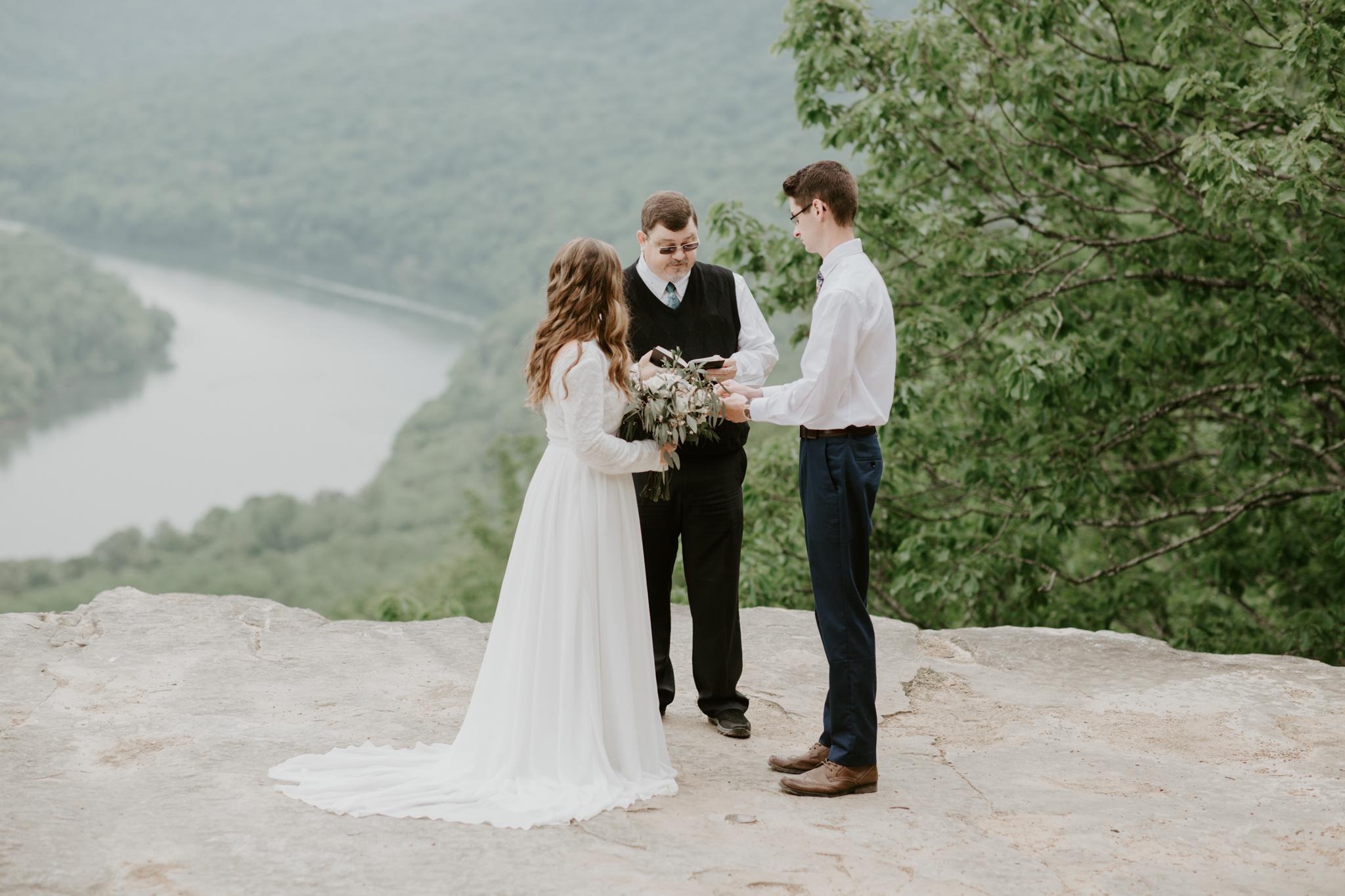 Lacey-Joe-Chattanooga-Nashville-Tennessee-Wedding-Elopement-Photographer-70.jpg