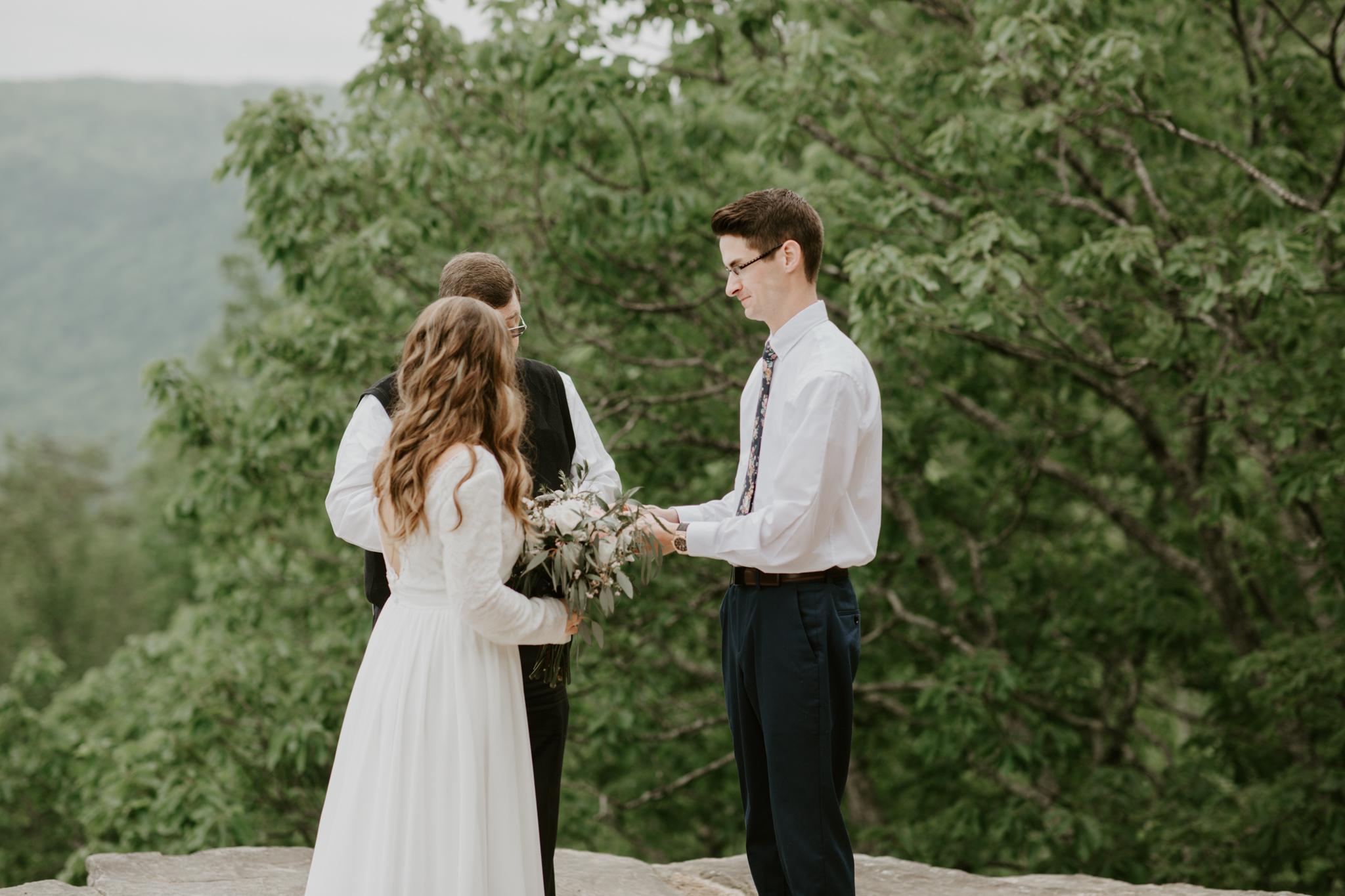Lacey-Joe-Chattanooga-Nashville-Tennessee-Wedding-Elopement-Photographer-71.jpg
