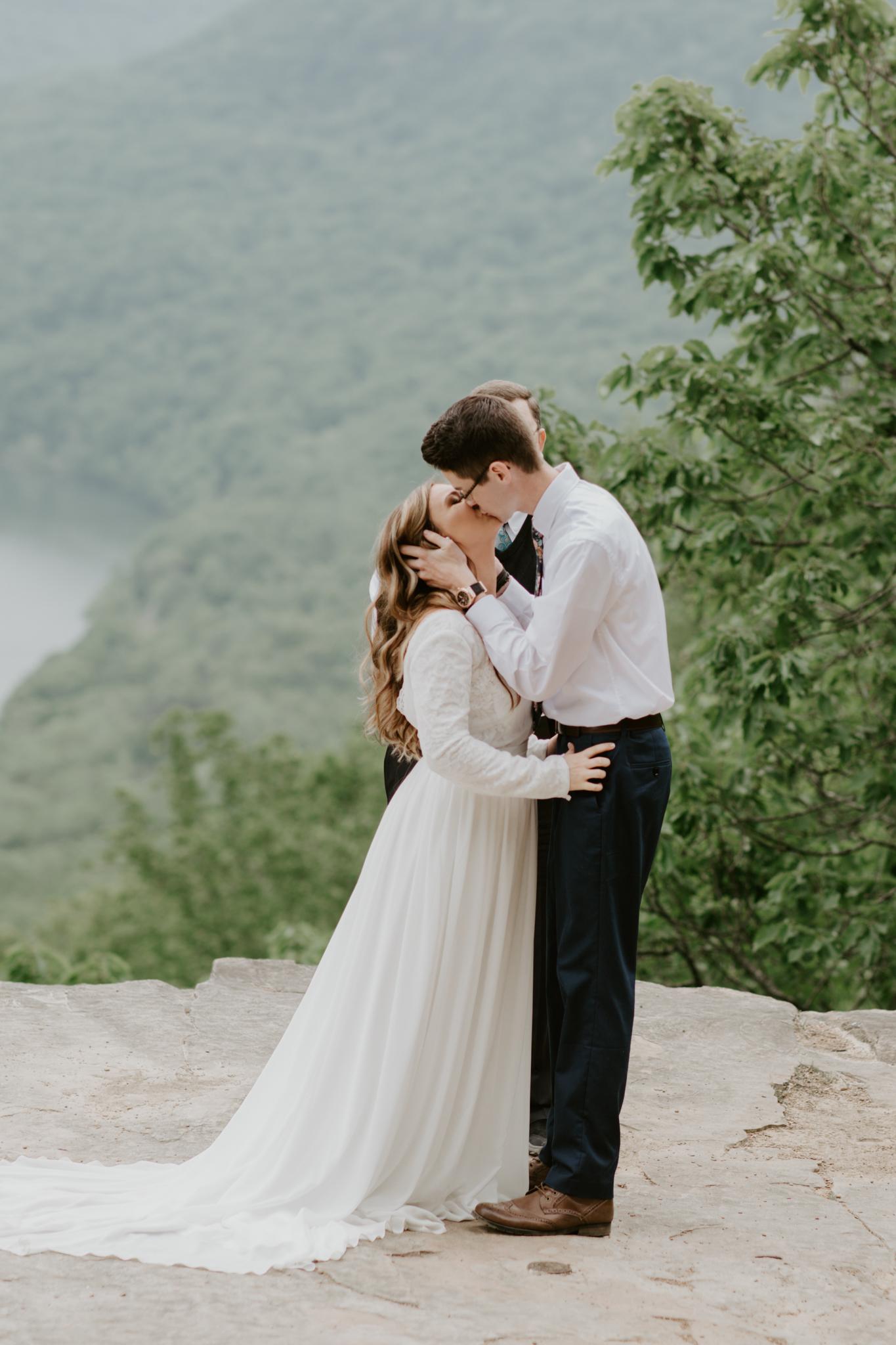 Lacey-Joe-Chattanooga-Nashville-Tennessee-Wedding-Elopement-Photographer-81.jpg