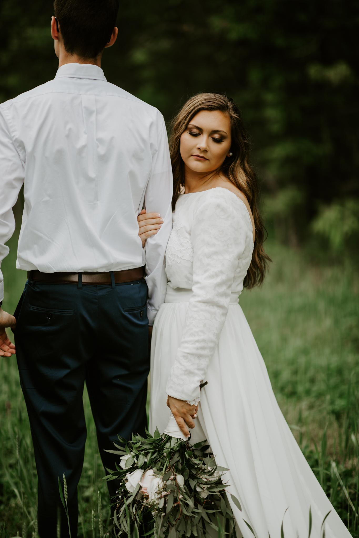 Lacey-Joe-Chattanooga-Nashville-Tennessee-Wedding-Elopement-Photographer-175.jpg
