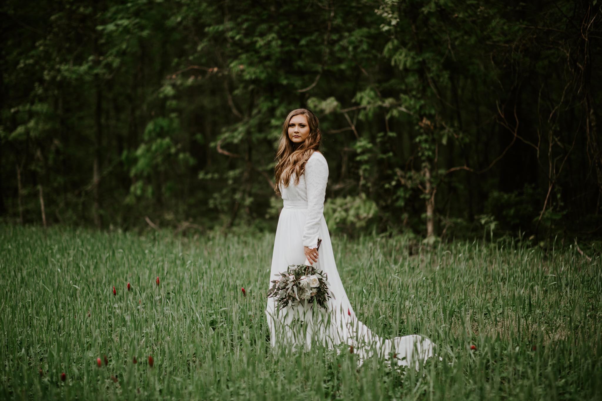 Lacey-Joe-Chattanooga-Nashville-Tennessee-Wedding-Elopement-Photographer-178.jpg