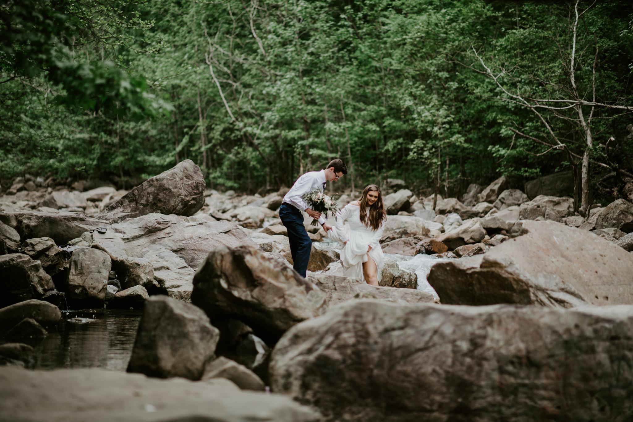 Lacey-Joe-Chattanooga-Nashville-Tennessee-Wedding-Elopement-Photographer-200.jpg