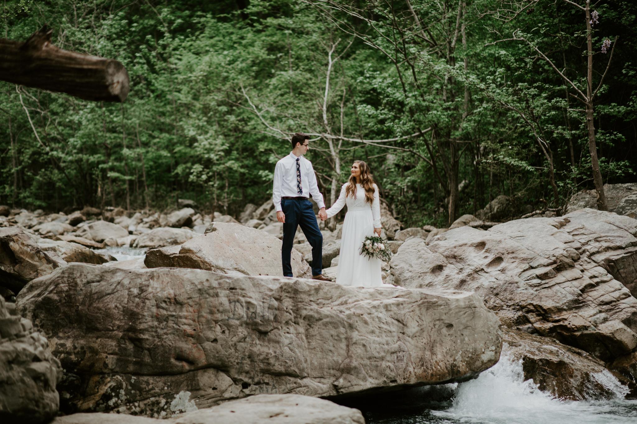 Lacey-Joe-Chattanooga-Nashville-Tennessee-Wedding-Elopement-Photographer-207.jpg