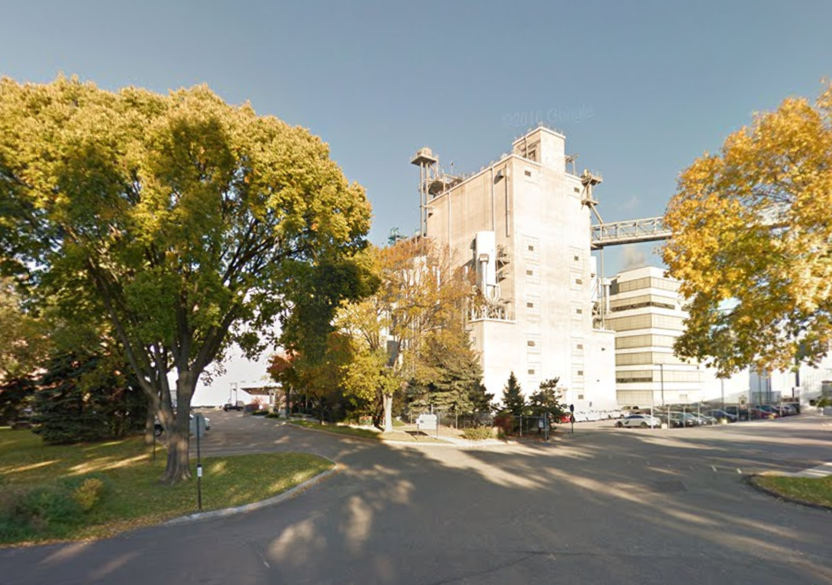 General Mills factory on 44th Street   Image   courtesy of Google Street View (forgot to take my phone)