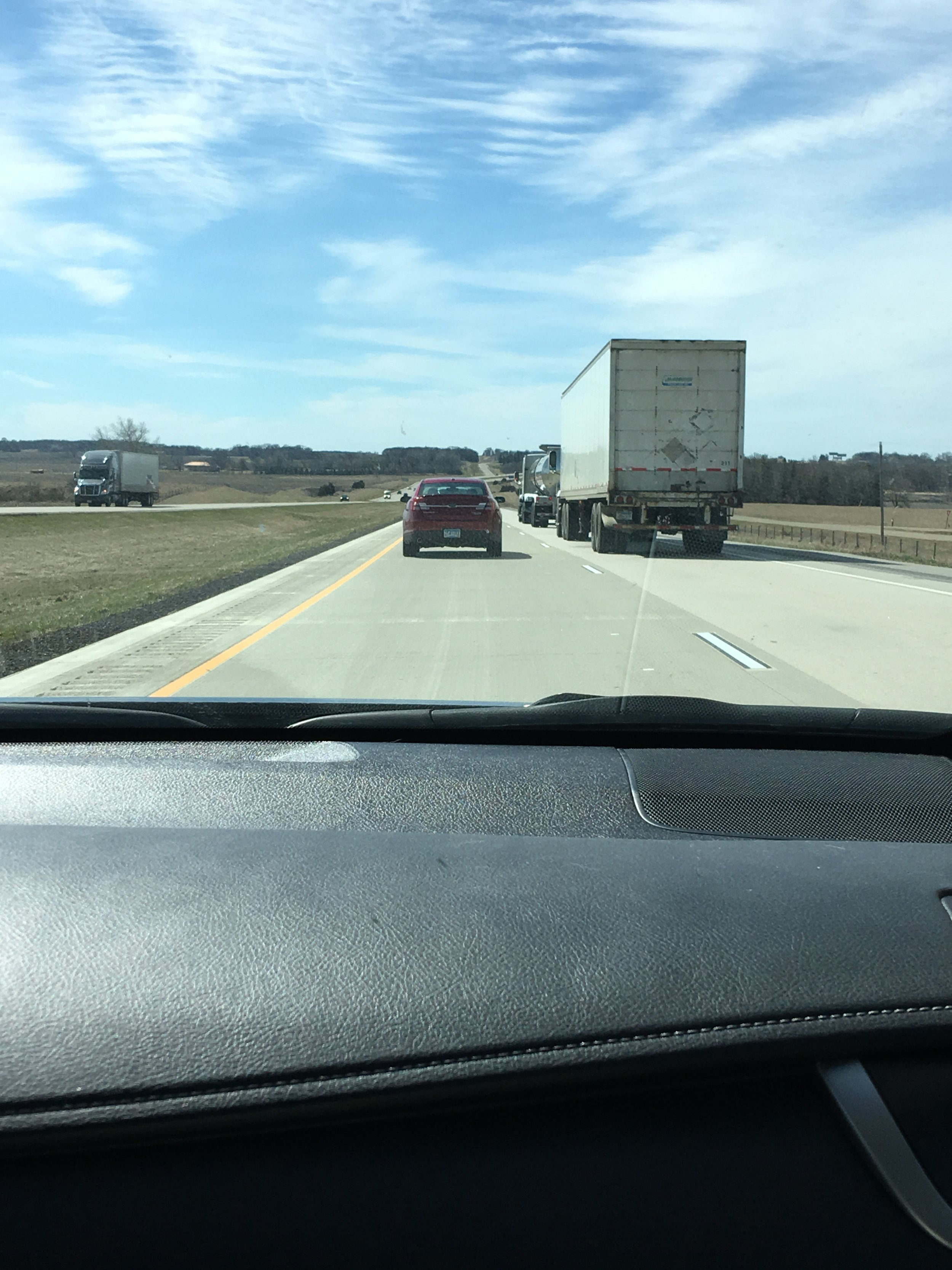 Section of I-35 between Minneapolis and Des Moines filled with semi traffic
