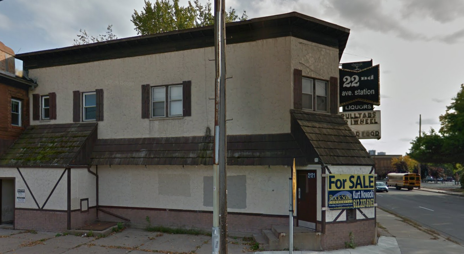 Vacant building at 22nd Street and University Avenue