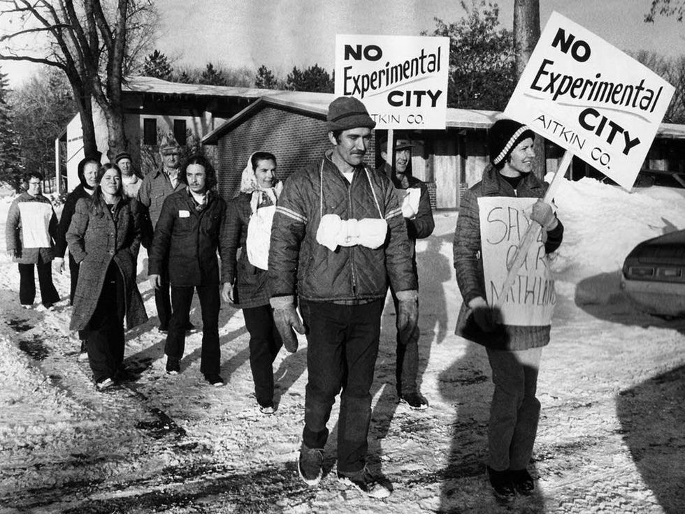 Residents of Swatara as they marched from their homes to St. Paul, over 150 miles (image courtesy of the Minnesota Historical Society)
