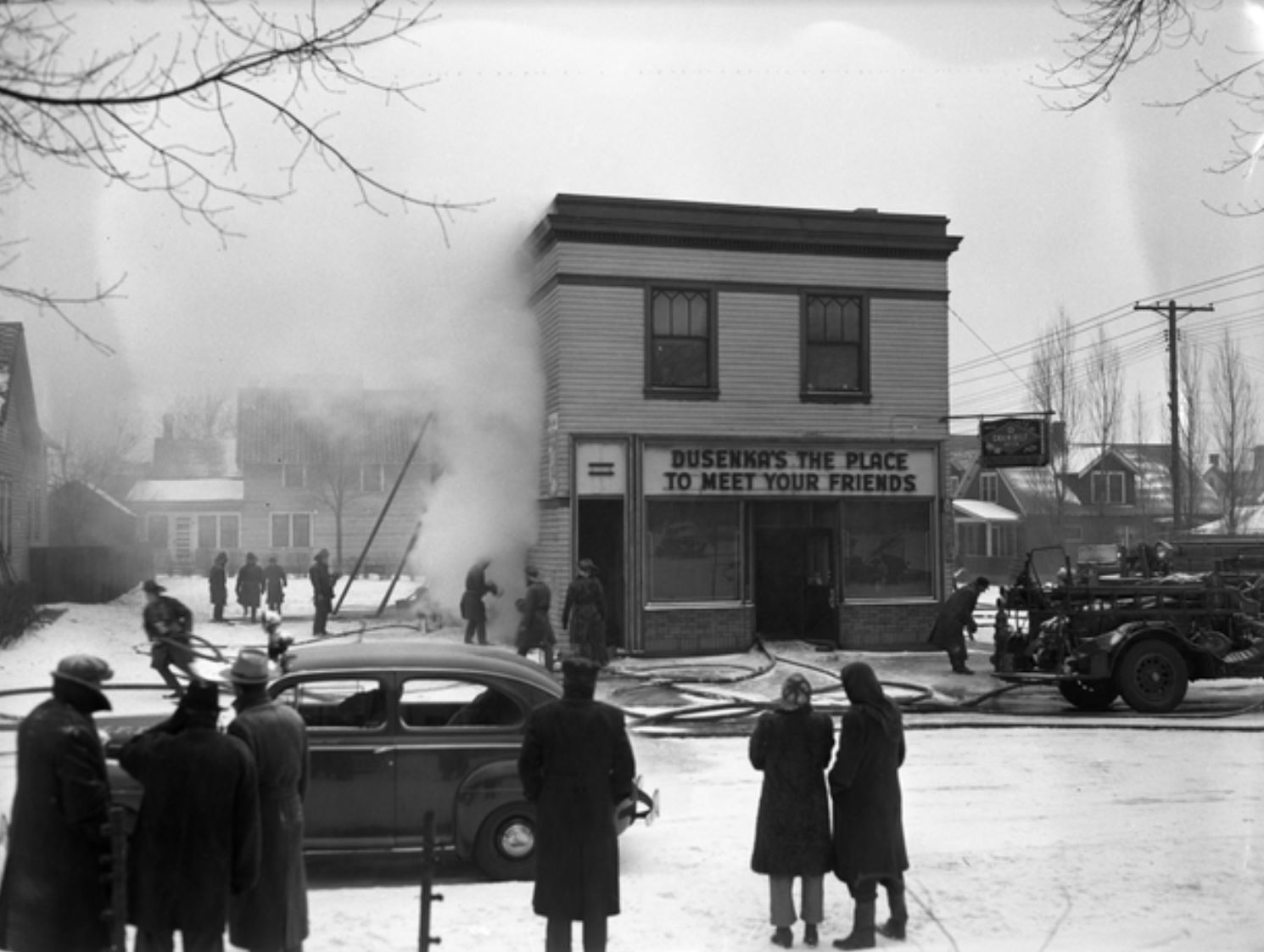 Shaw's, known as Dusenka's at the time, after a fire in the second story (image courtesy of the Minnesota Historical Society)