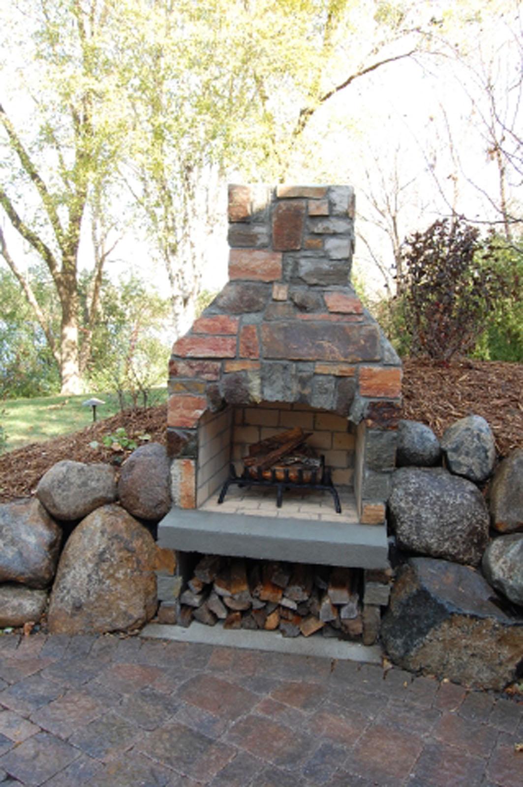 22Wayzata-Built-in-Fireplace.jpg