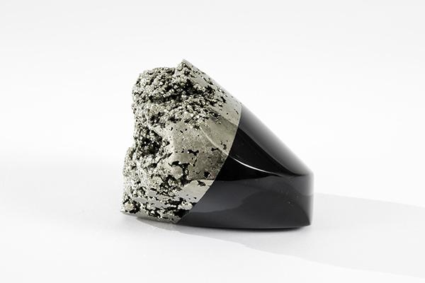 Weston_Lambert_Untitled_Black_glass_and_pyrite_3_x_3_x_2_2016-s-small.jpg