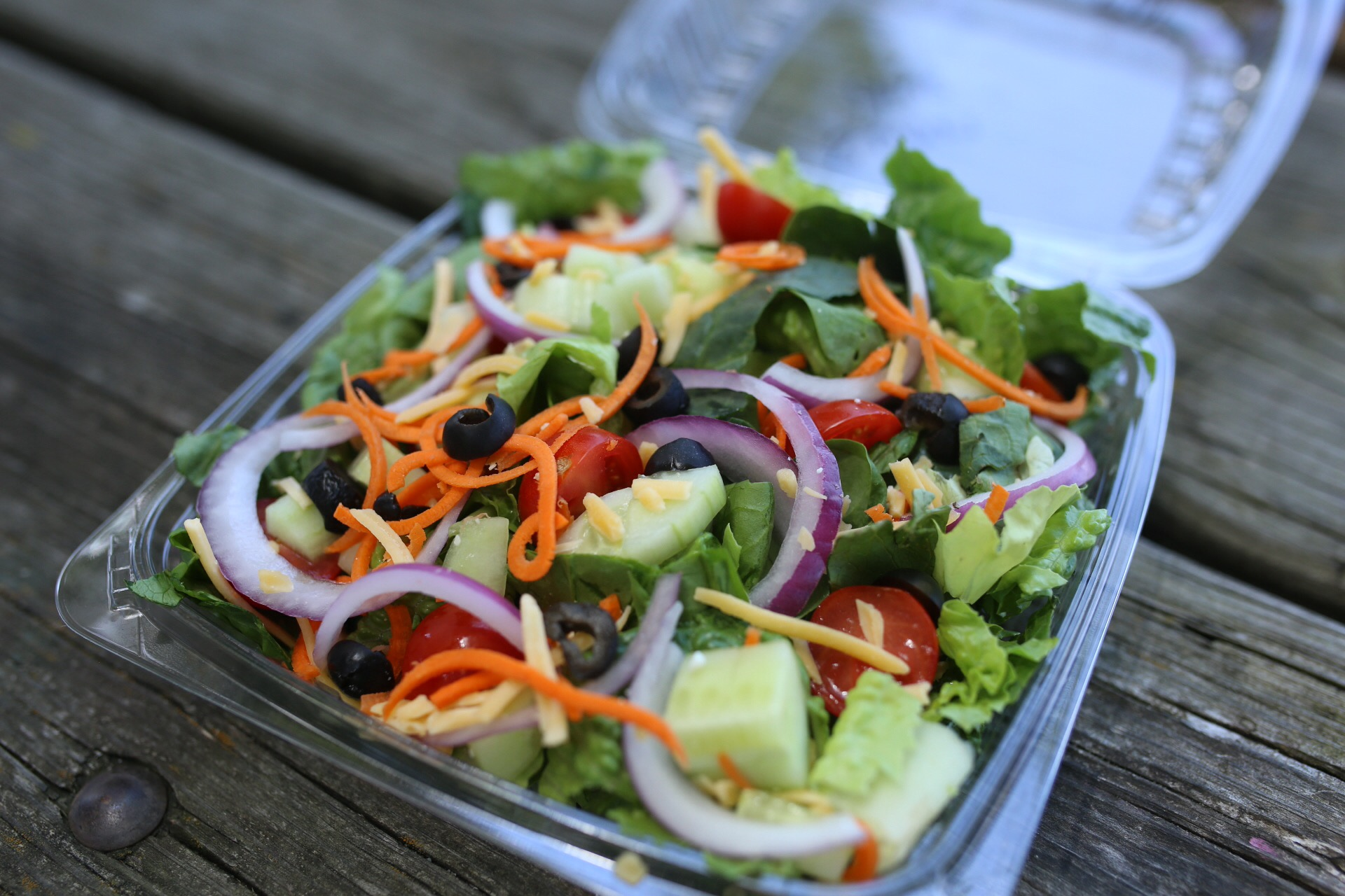 The Swan Dive is a more traditional salad with crunchy vegetables and a homemade ranch with fresh dill and parsley. Try it with our antibiotic/hormone free chicken!