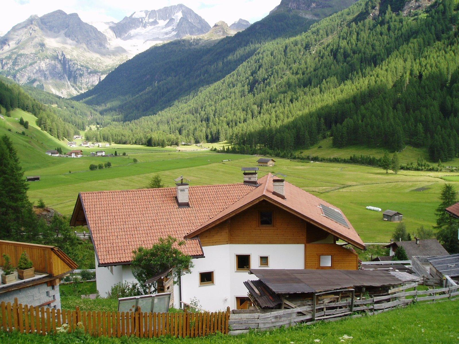 benefits buying global real estate