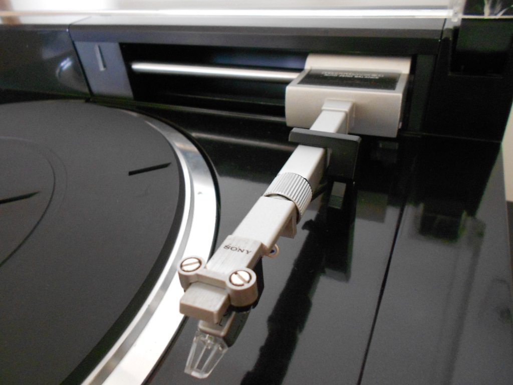 Sony PS-X800 Sony Biotracer turntable.