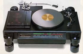 Nakamichi TX-1000 self-centring turntable. One of the most desirable classic decks to have graced the planet!
