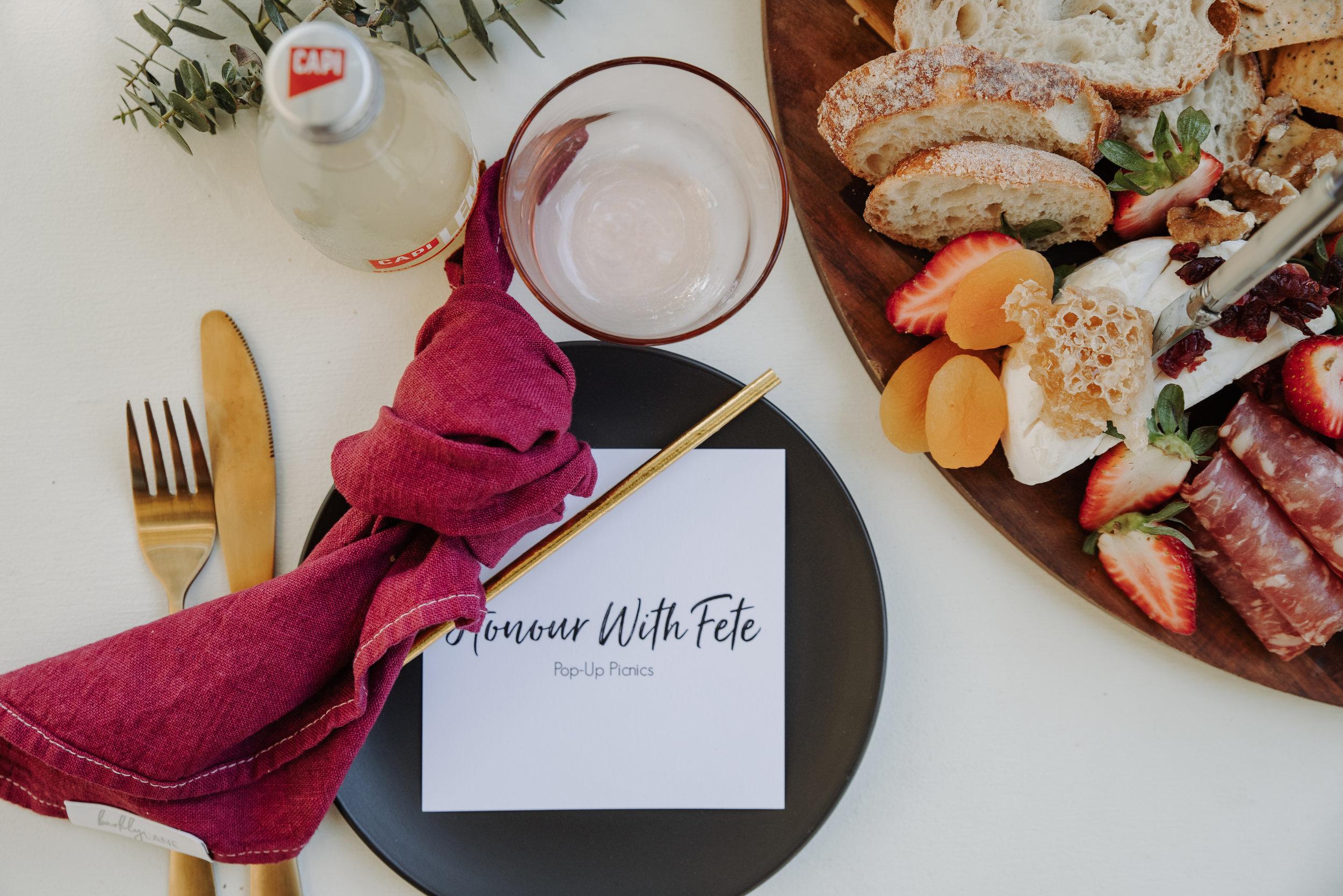 Melbourne couples picnic