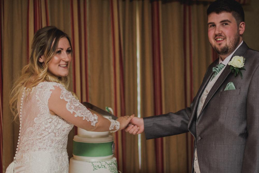 Devon wedding Photographer wedding photographer engagement photographer falmouth wedding photographer padstow wedding photographer (1 of 1)-5.jpg