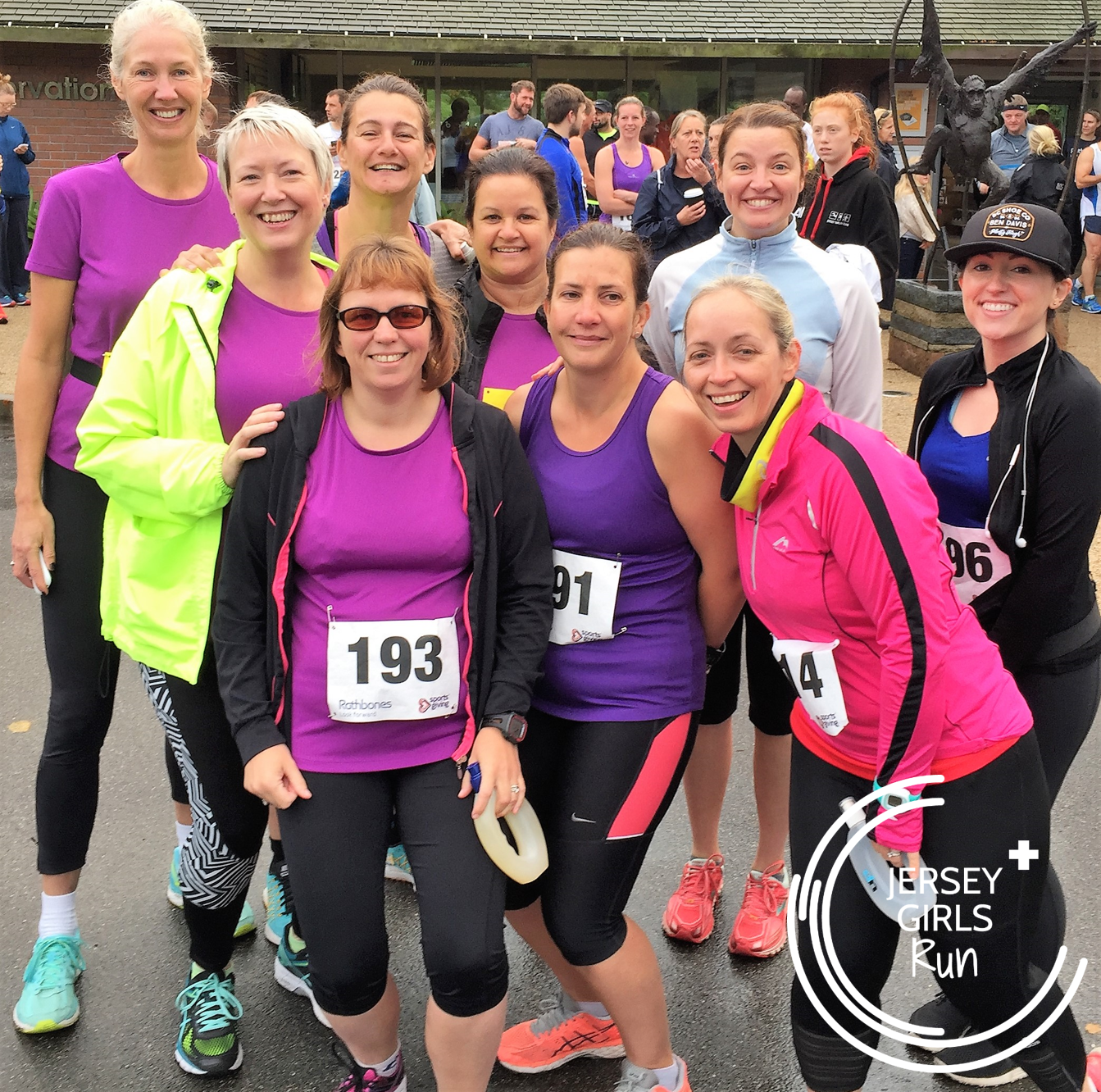 16 OCTOBER 2016 - JERSEY GIRLS Dash for Durrell - We had a good turnout for the Durrell Dash with some ladies taking on 6k and other opting for the challenging 13k.  Both distances had hill after hill but the girls attacked the course with smiles and ditermination.