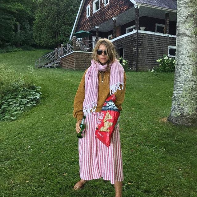 Beautiful @monicaainleydlv with 'Aganta Burina Burinata' towel. 🦞 #umayanaloves #mediterranean #living #slowdesign #handwoven #beach #turkish #towel #summer #soul