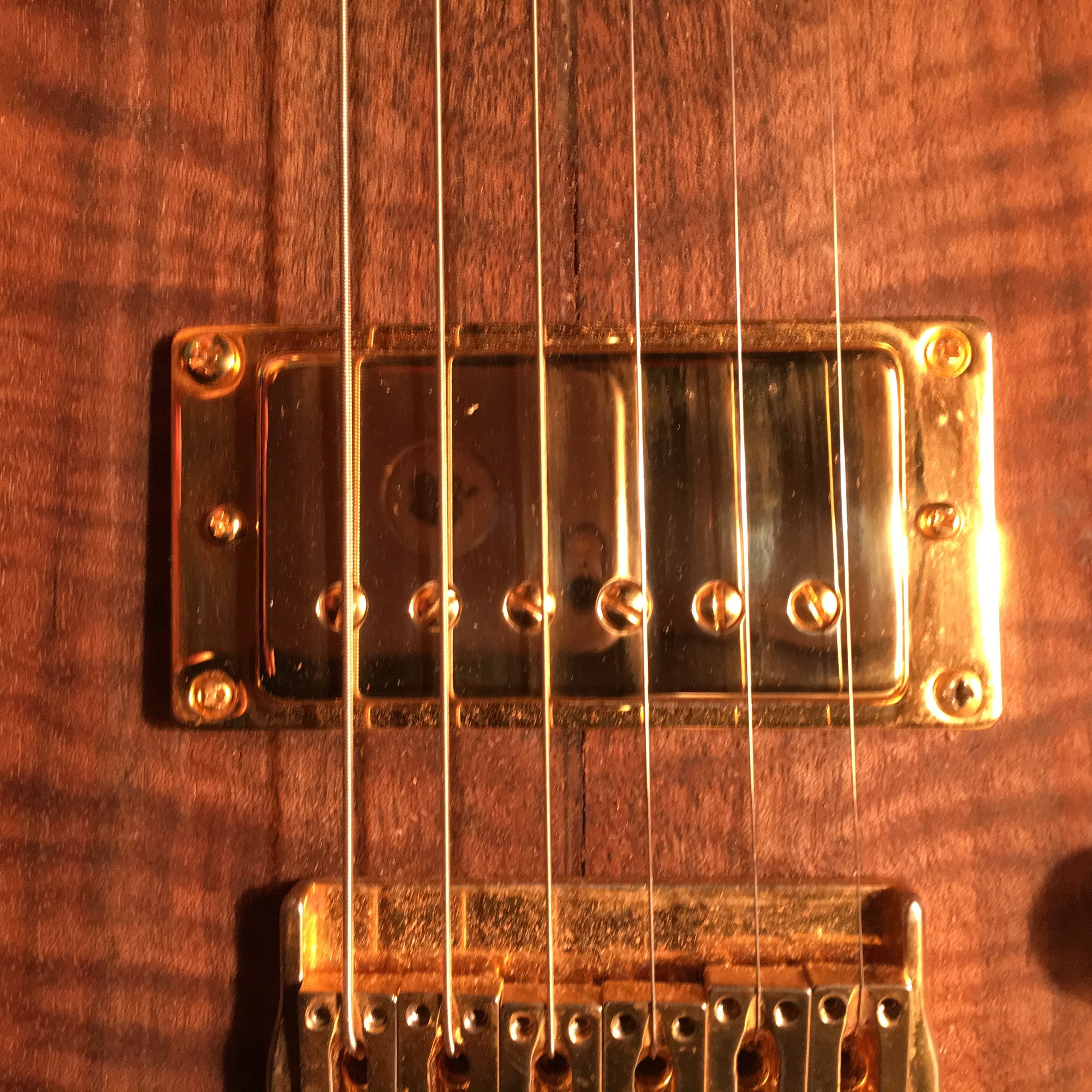 The Golden Age humbuckers are available in two or four wire configuration so they can be coil split.