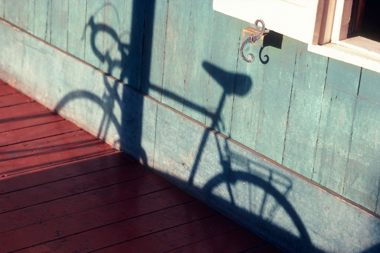 bike shadow lahaina  maui / hawaii   buy here