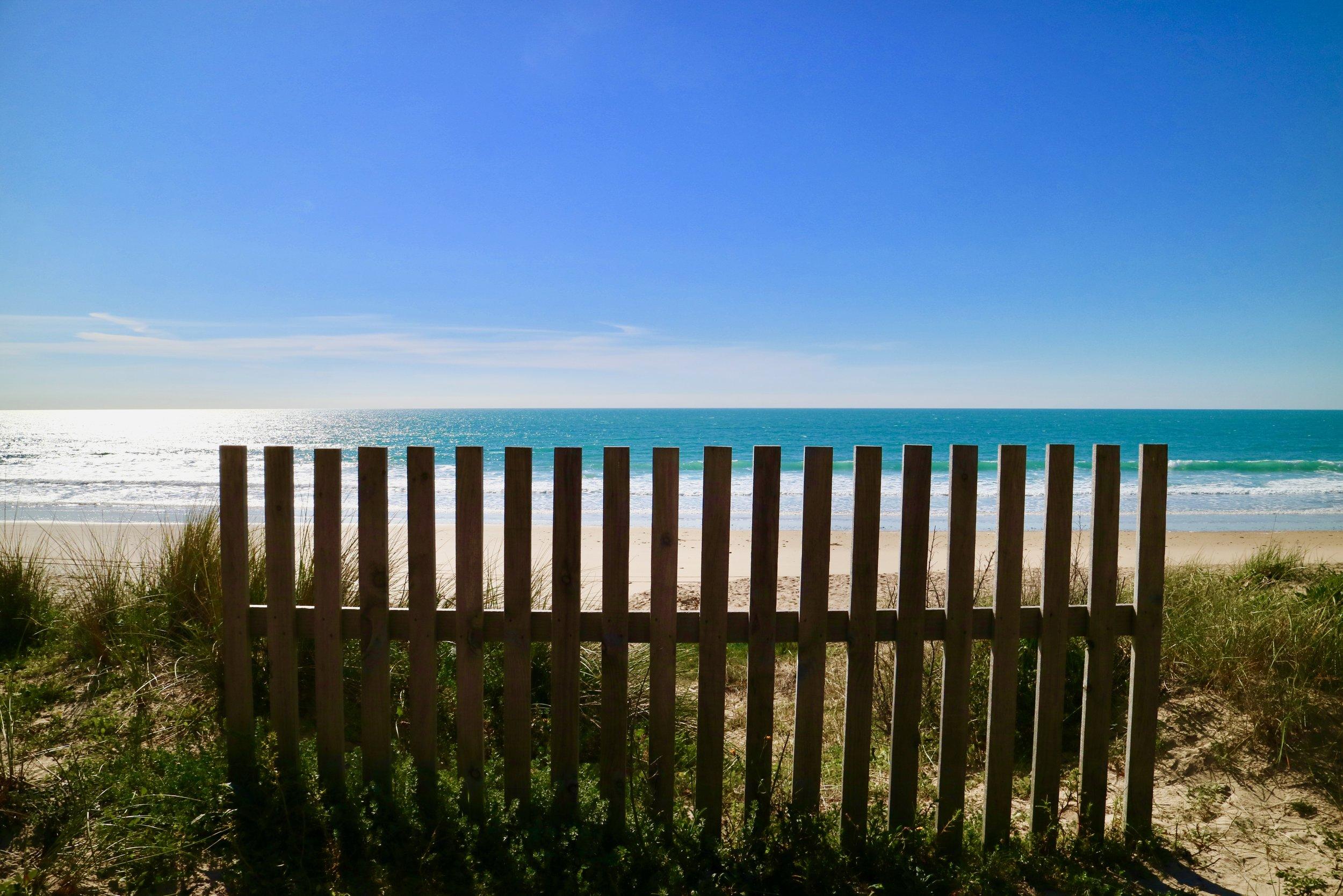 playa alambrada  sancti petri / andalucía