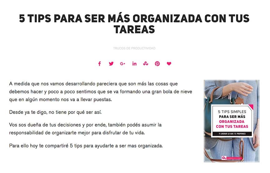 Gabriela por su parte, ha preferido ubicar los botones de compartir  en su blog  al principio del post, debajo del título.