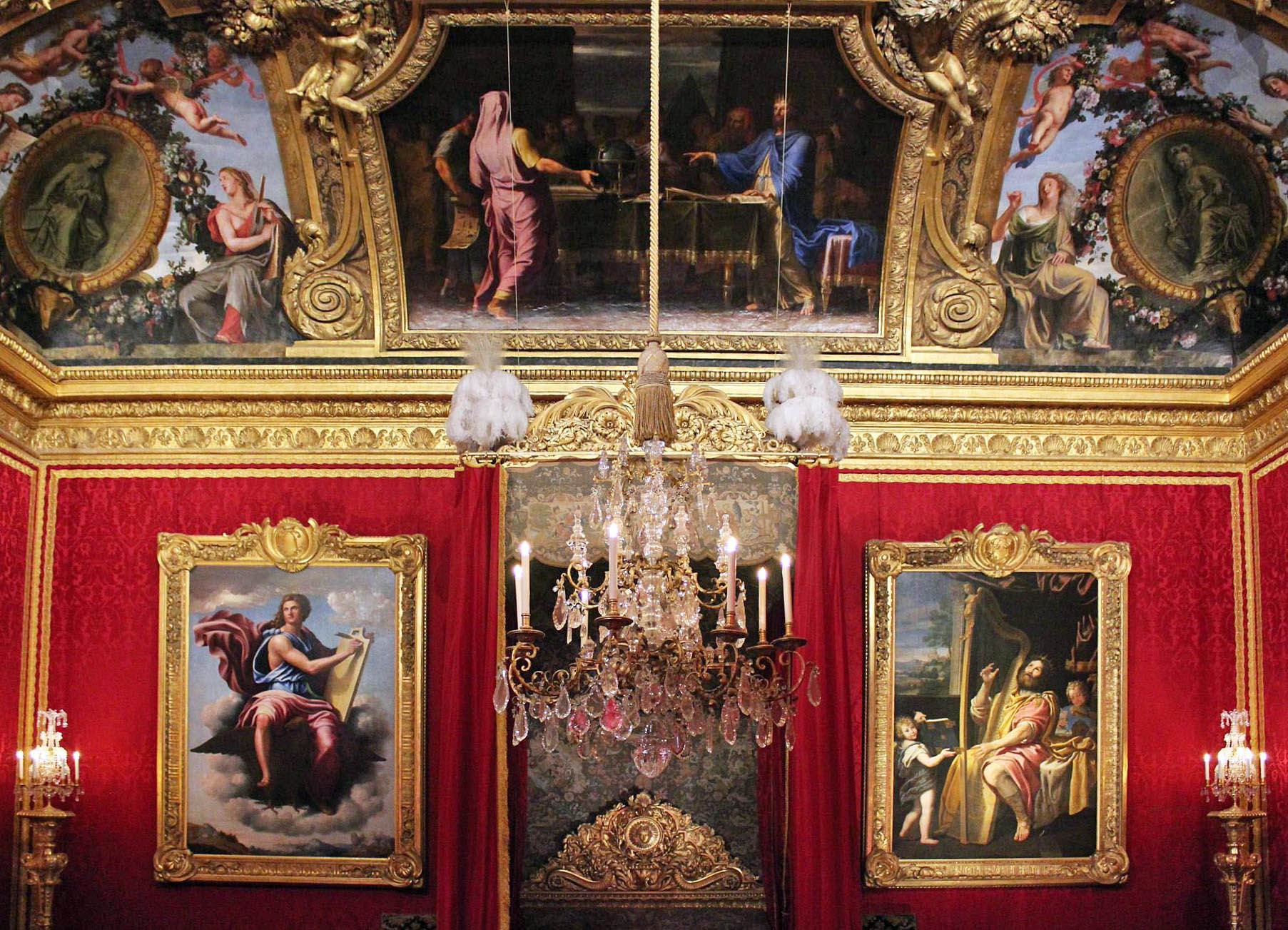 Versailles-Red-Room.jpg