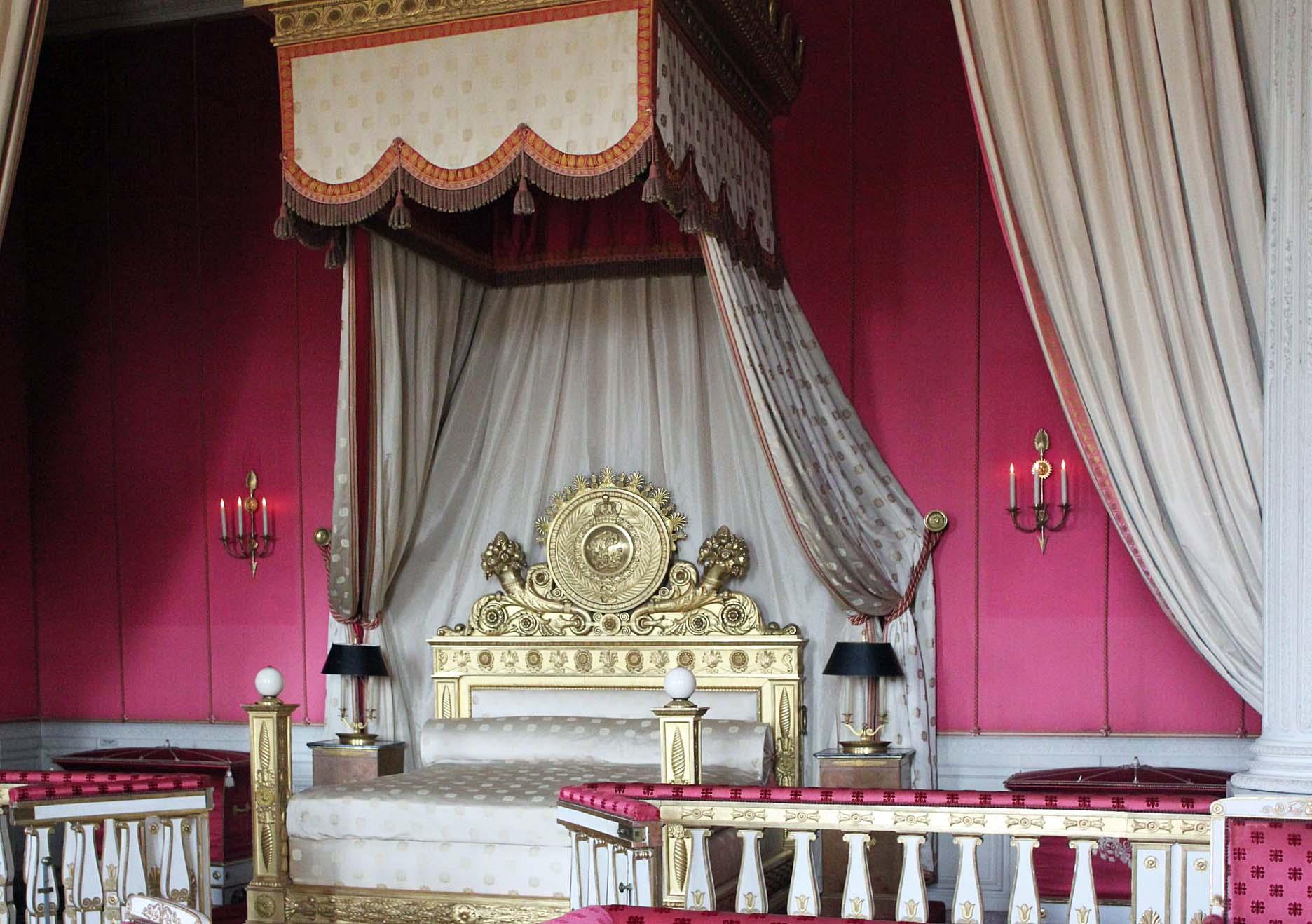 Versailles-SP-Room.jpg