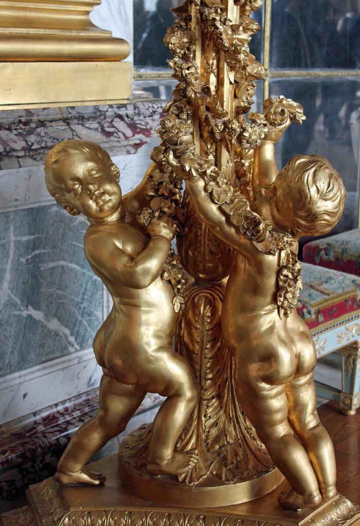 Versailles-Statue-700x1024.jpg
