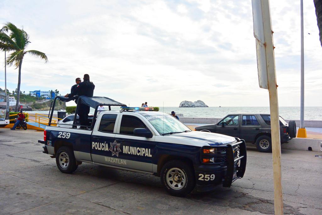 Policia-1024x683.jpg