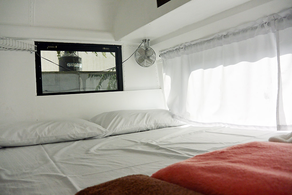 Queen-Size-Bed-in-Bus.jpg