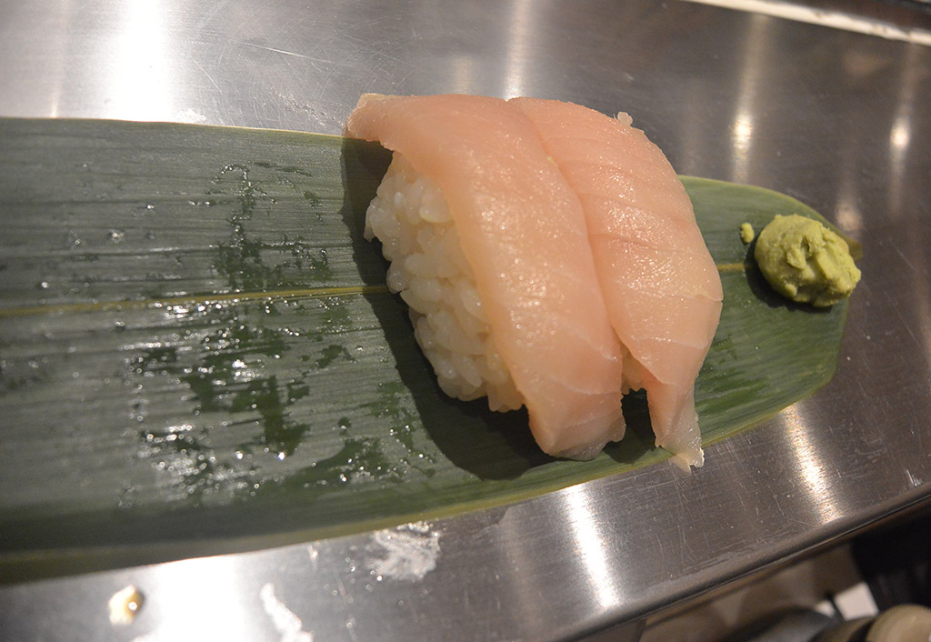 Sushi-in-Tokyo.jpg