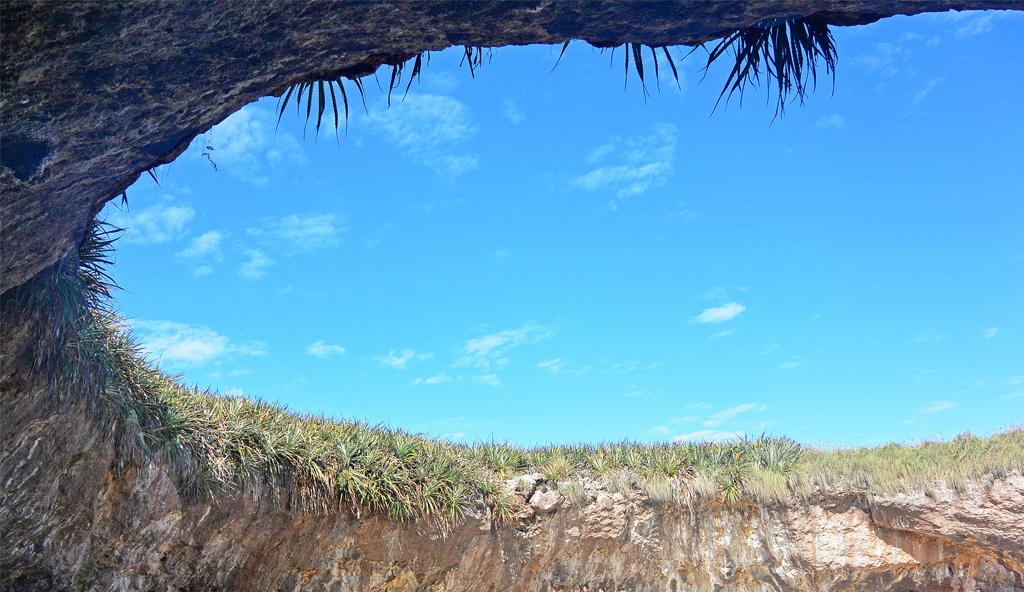 Las Islas Marietas Mexico.jpg