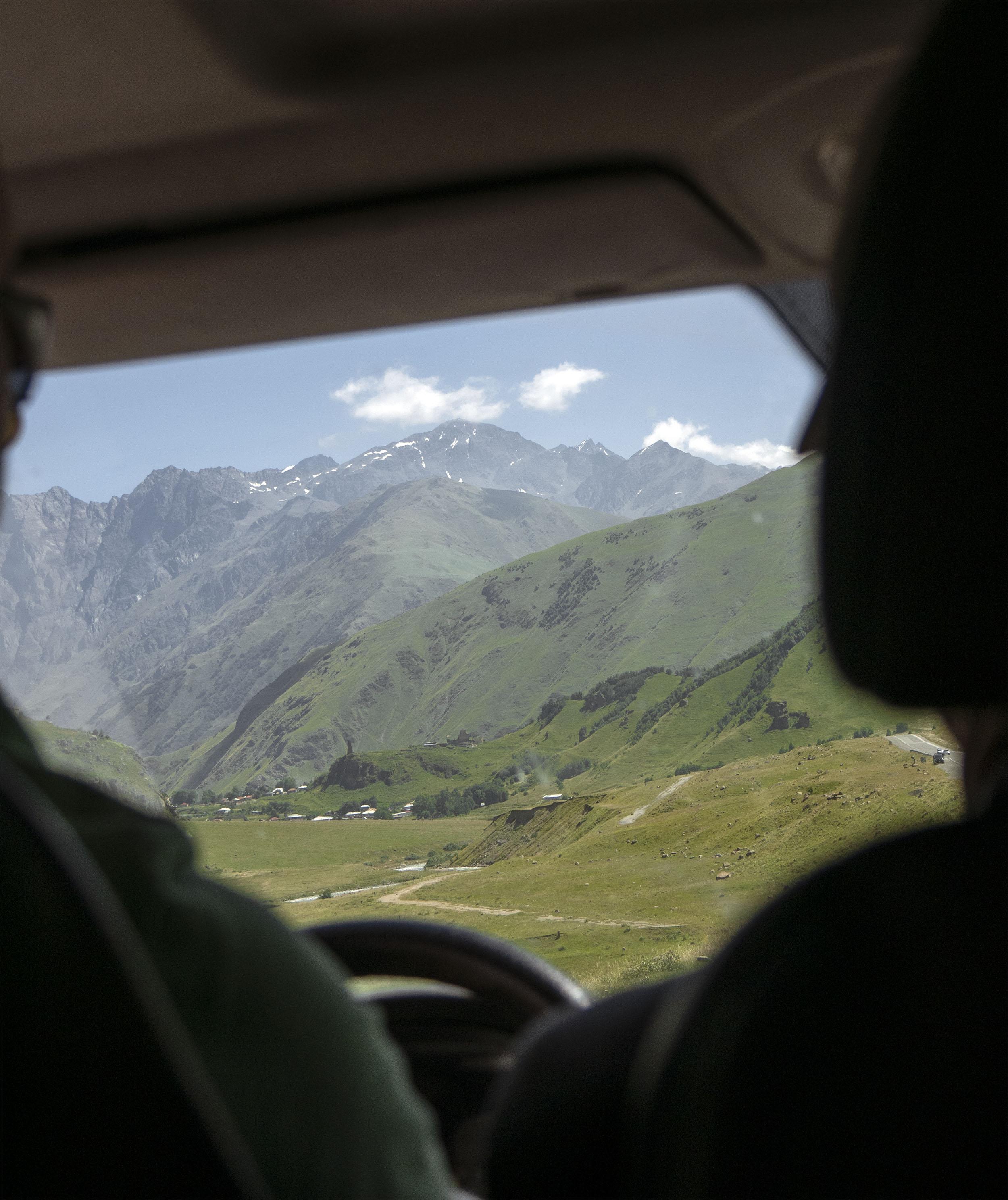 Vladikavkaz to Tbilisi Border Crossing