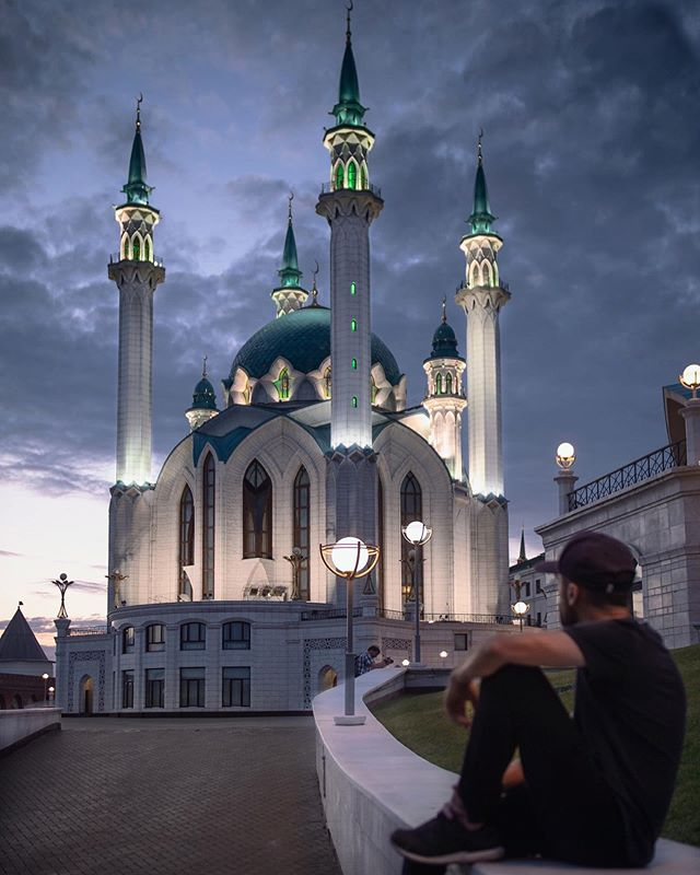 Our camera was stolen this week.  The one that was used to take this photo in Kazan, Russia. The one we've been fortunate to have with us to capture moments in countless cities across a dozen countries since we got it.  Wes sometimes jokes that the camera is an extension of his arm because of how much he uses it. It hurts to have it taken but, in the end, things can be replaced and we will find a way to continue creating.  We're so grateful for the support that has poured in all week and could barely keep up with your messages! It's hard to hear how many of you have had wallets and luggage and even passports stolen during a trip. Unfortunately, it's not just a reality of travel but of life. As hard as it is to accept, these things happen and are not in our control. All we can really do is learn and move on.  So we brushed it off, checked out of Lviv and made our way to Budapest! Whenever we're in Europe, we keep circling back to this city and we'll be here working and exploring for the next few weeks. If you're in town, let us know 🤗 . . . . #featherandthewind #kazan #fromrussiawithlove #russia #iamtb #kazan_look #russiabeyond #russianexplorers #torontobloggersco #passionpassport #mytinyatlas #traveldeeper #sharetravelpics #worlderlust #TLpicks #canadiantravellers #travelblogger
