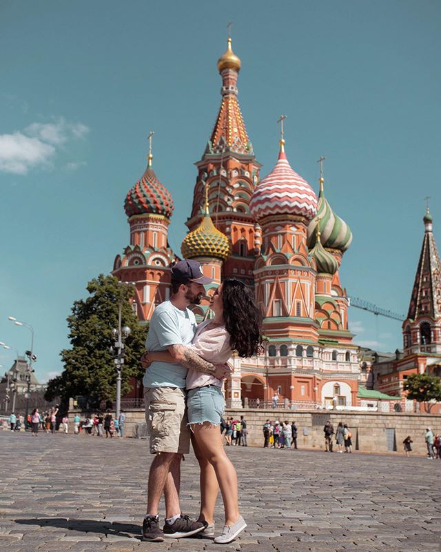 Our 30 days in Russia ended up being among the most memorable travels we've had to date.  We arrived to this country with an open mind, few expectations and a willingness to see as much as possible (before our tourist visas ran out). Turns out, you need way more than a month to do Russia justice since it's the biggest country in the world and all. But we covered a lot of ground and we're looking forward to sharing some of our favourite moments with you. Like our time roaming the Red Square in Moscow 😊 . . . . #featherandthewind #fromrussiawithlove #moscow #stbasils #russiabeyond #coupleswhotravel #journeysofcouples #redsquaremoscow #lumixgh5 #travelportraits #sharetravelpics #earthcouples #creativetravelcouples #wanderintwo #travelustcouples #iamtb #travelwithlove #globecouples #traveldiaries