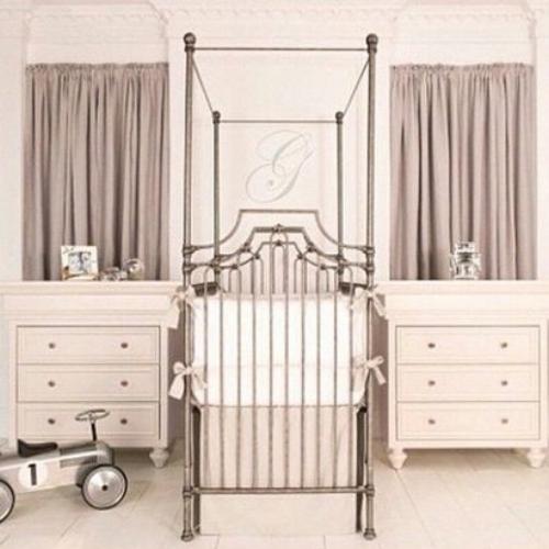 4 poster crib