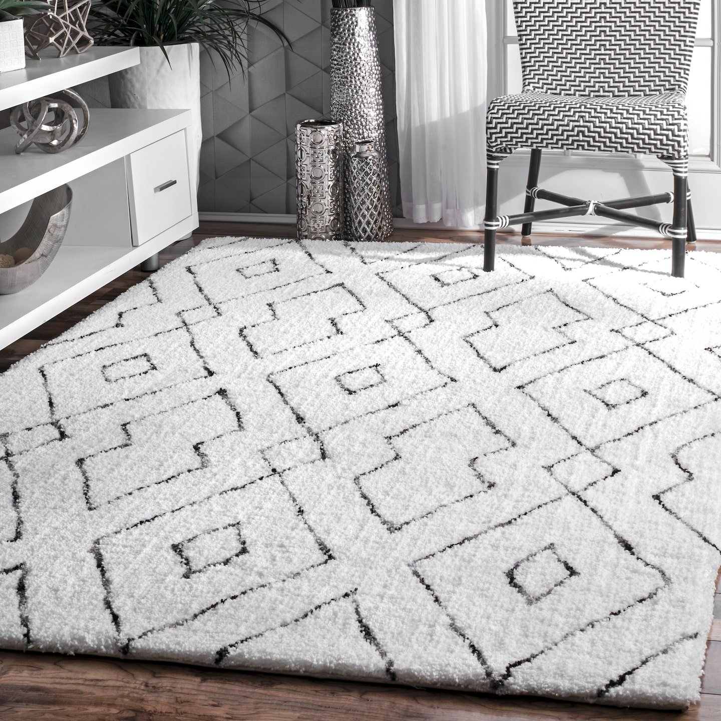 white and grey diamond boho rug