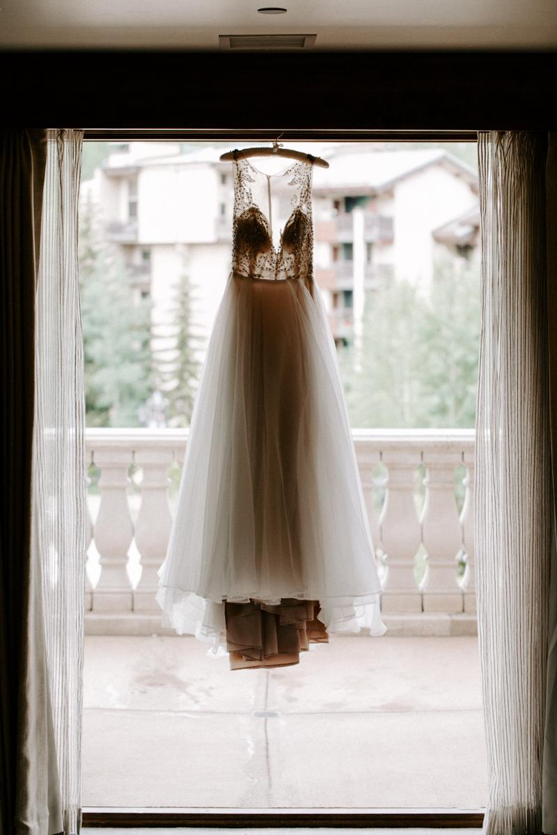 sara bridesmaids get ready at the arabelle hotel in vail colorado-6.jpg