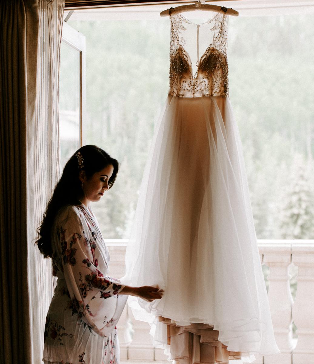 sara bridesmaids get ready at the arabelle hotel in vail colorado-7.jpg