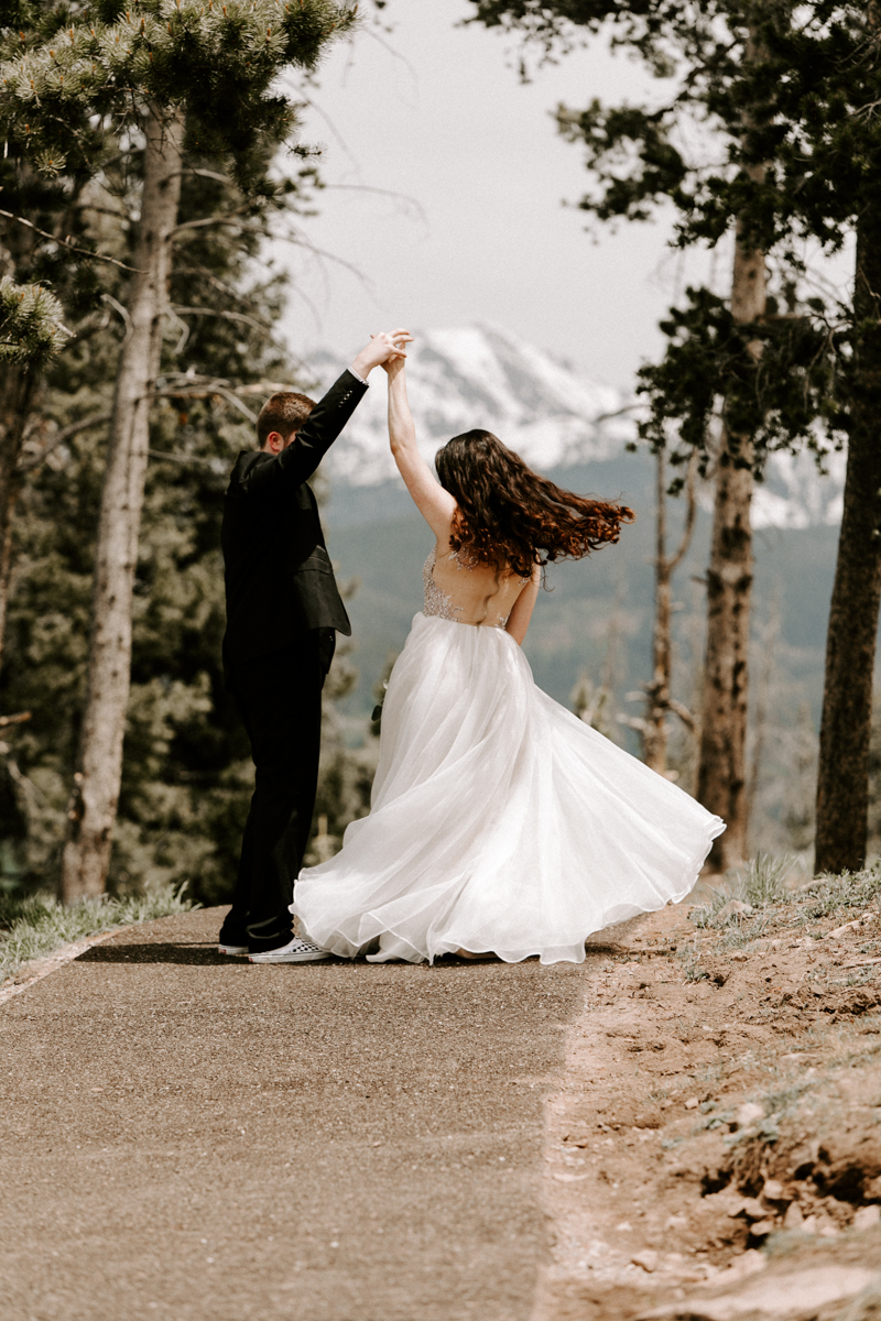 bride + groom couples photography vail luxury wedding colorado rocky moutain elopement-4.jpg